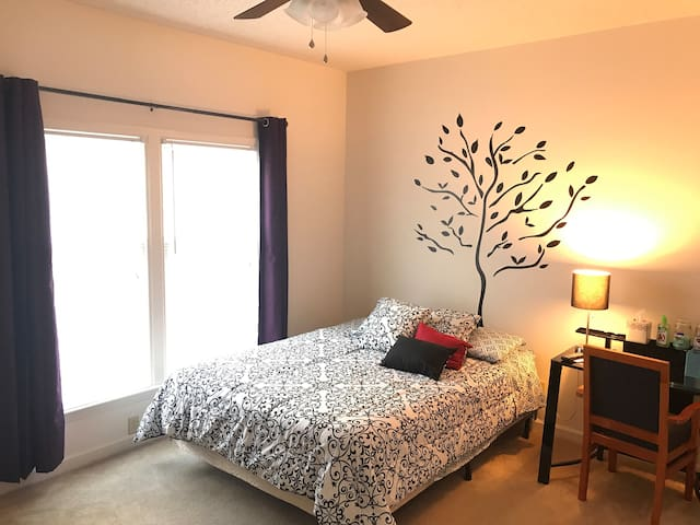 In the Heart of Goldsboro. Cozy, safe, clean.
