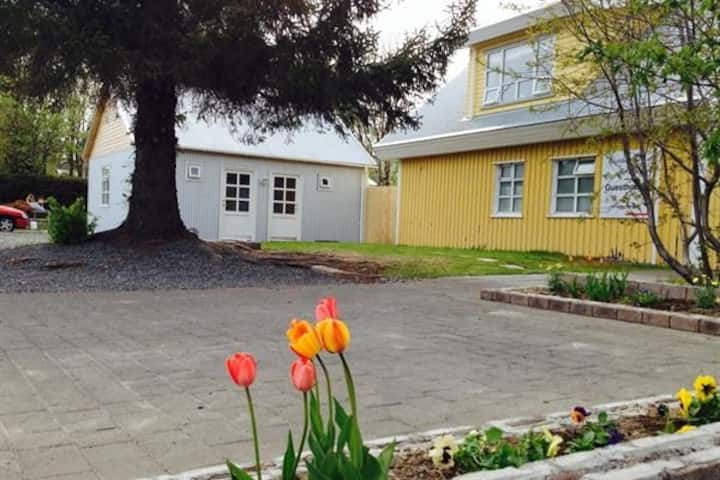 Downtown Egilsstađir for 4 people Quarantine accpt