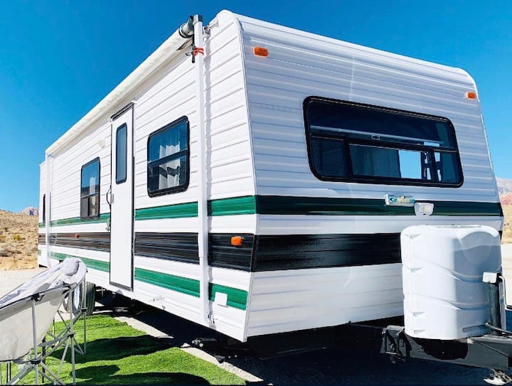 Beautiful quaint RV camper, your own getaway