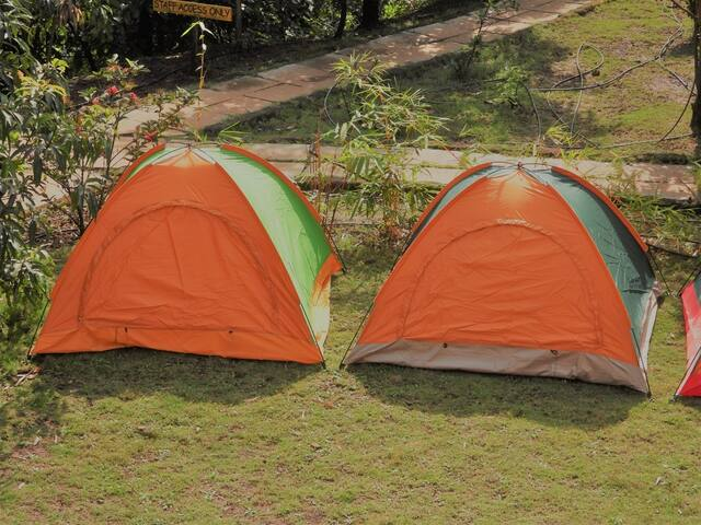Camping at ICamp Resort at foothill of Kates Point