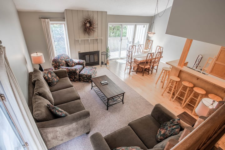 Secluded Harbor Springs Condo