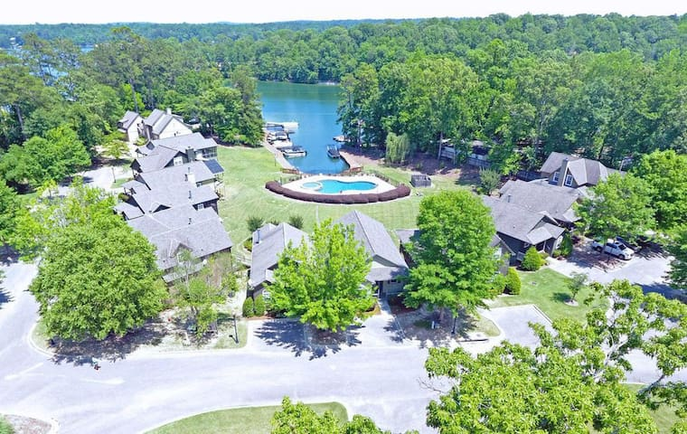 Lake Martin - Work and Play - Year-round water views - Available for February Month Long Rental