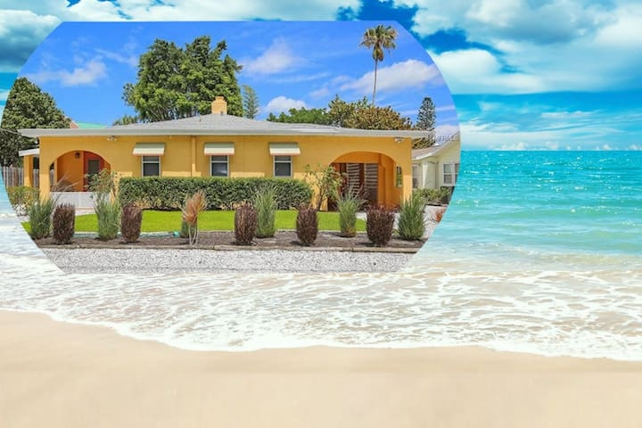 Lido Key Villas - 2BR Villa - Across from Beach!