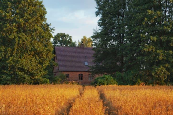 Historisches Bauernhaus mitten in der Natur