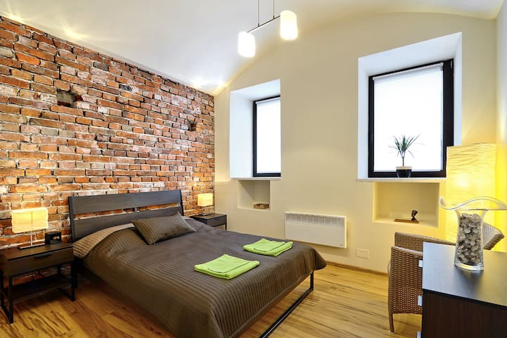 Smooth Afro Central, WiFi + paid guarded parking - Kraków - Apartament