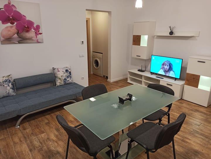 Apartament de LUX,regim hotelier, 2cam. totul nou!