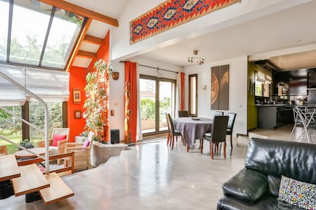 Wonderful home ideal for families w/park car - Bagnolet