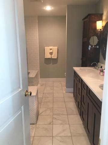 Incredible Masters Rental One Mile from the Course - Augusta - Casa