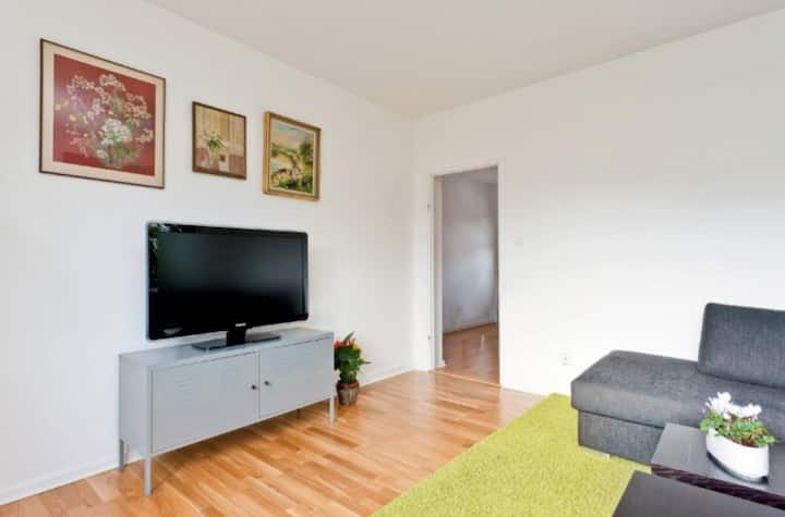 Cozy 2 bedrooms apartment in the heart of Bromma
