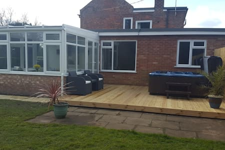 Woodland View Cottage with Private Hot Tub Spilsby