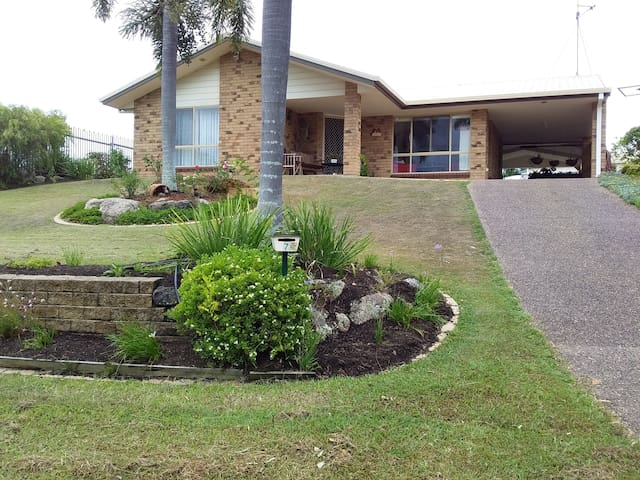 Homestay On Melaleuca -  1 or 2 bed travel haven.