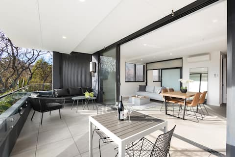 Stunning 1 bedroom apartments near Coogee Beach