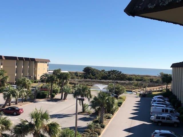 SEA LA VIE -Oceanview Sleeps 4 -Gated Beach Resort