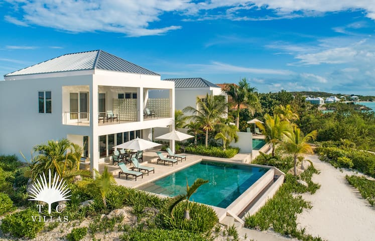 Miami Vice Two // Romantic Ocean Views // Located right on Sapodilla Bay