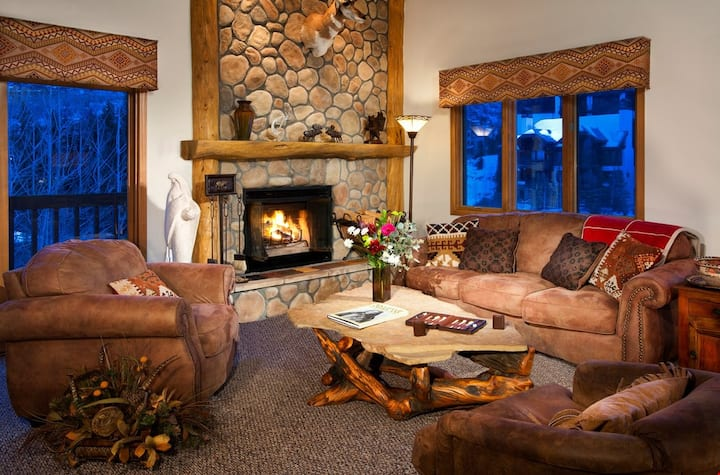 Ski-in Condo | Wood Fireplace, Balcony | Free Shuttle & Housekeeping