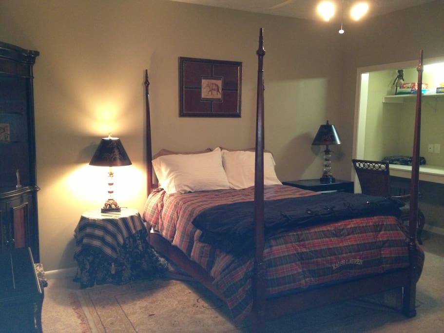 Second bedroom with 1 bed