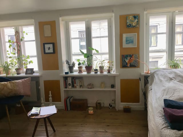 Central, Charming and Cozy Oase at Great Location!