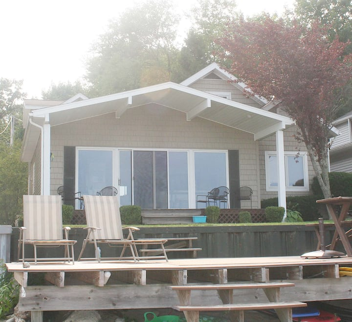 Beautiful Lakefront Beach House