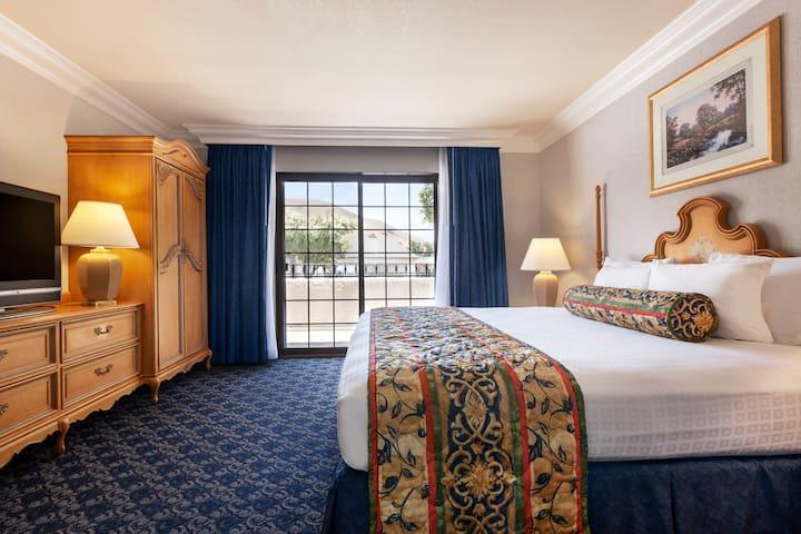 Sands Inn & Suites - King Suite