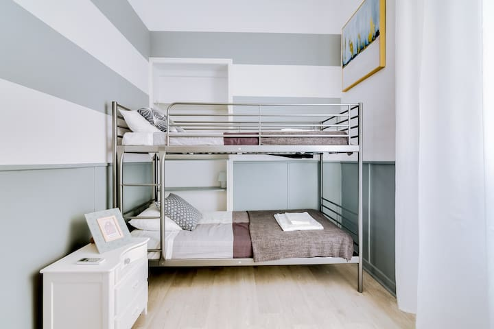 Private bedroom in Faro