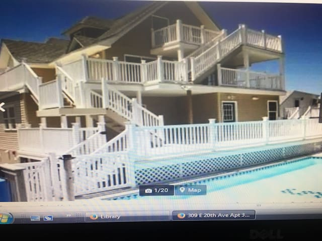 Stunning 3br 2ba condo w/pool 1.5 blocks to beach