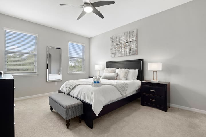 Premium  Private bedroom in the heart of Brandon