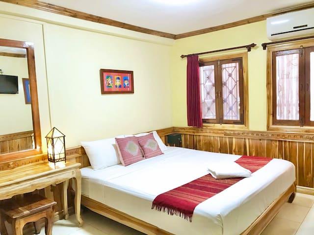Standard double bedroom 04