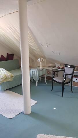 Zweites Gästezimmer mit Doppelbett