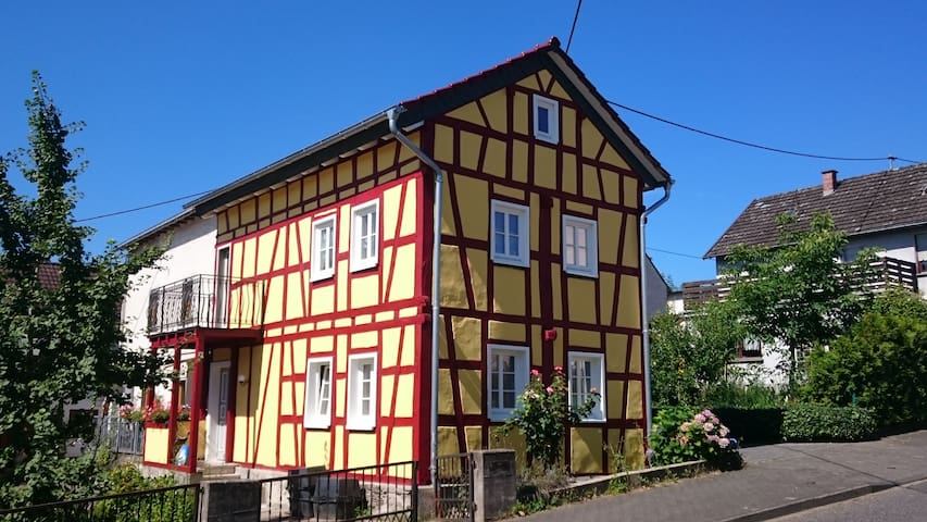 Haus - Neuwied - Talo