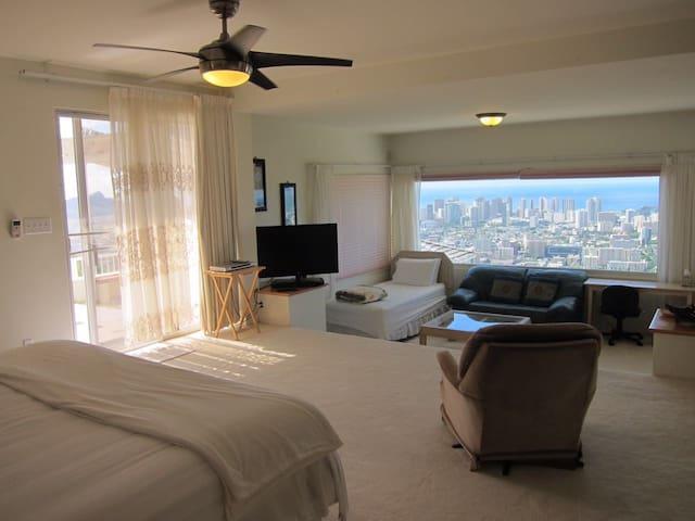 $10M mansion honeymoon suite - Honolulu - House