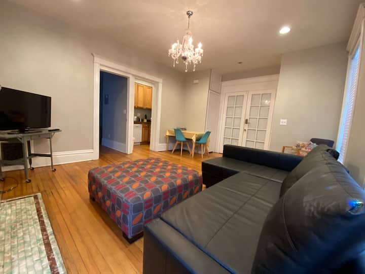 Monthly Furnished Apt in Cap Hill + Free Parking!