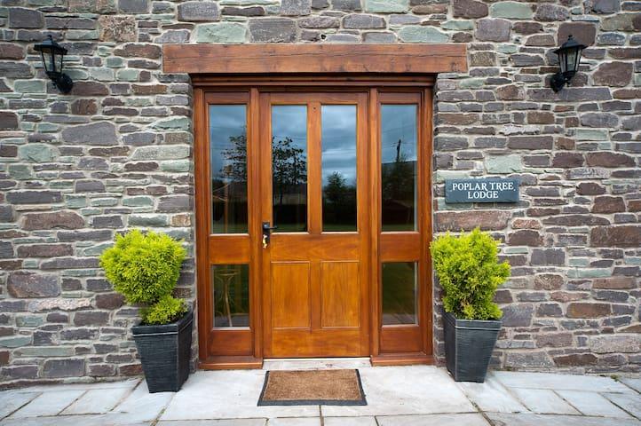 Poplar Tree Lodge, Glwydcaenewydd Farm - Crai - Haus