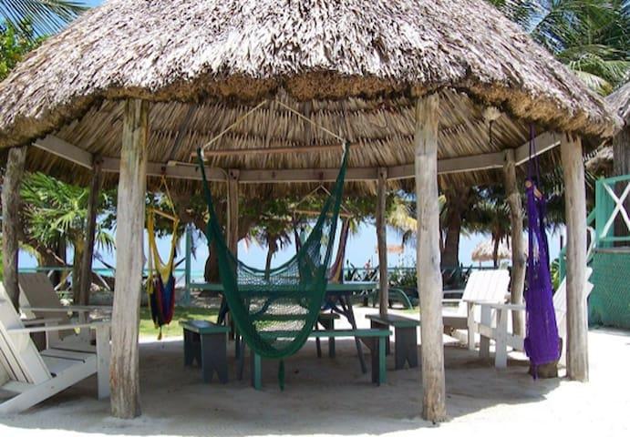 'Casa Blanca at the sea' Beach front property HDRB - San Pedro - Butikhotel