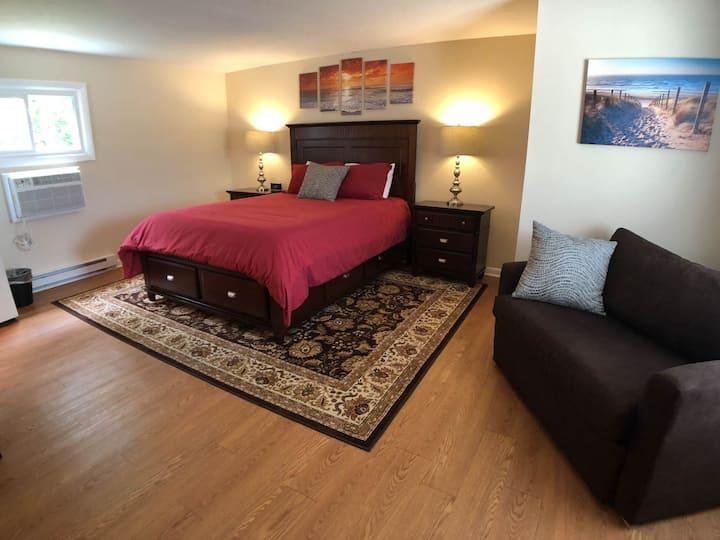 NEW! Shore Road Inn Room 4 - Non-Pet Room