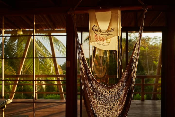 Casa Lutecia - walk to beach, privacy & big views!