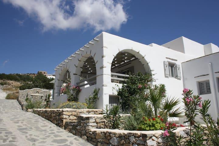 Villa Filoxenia in Paros