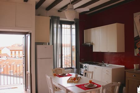 Vacanzeinarte Navigli - Casa Andrea G. Pinketts
