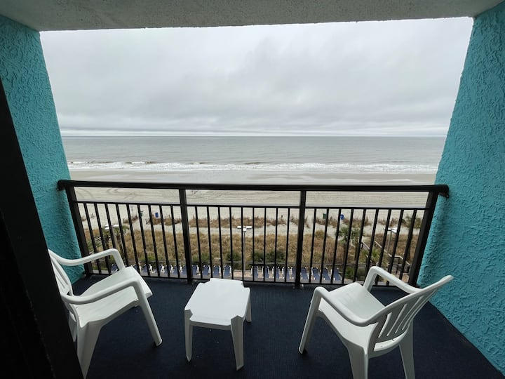 Oceanfront ☼ Beach, Sun and Fun! ☼ New Listing