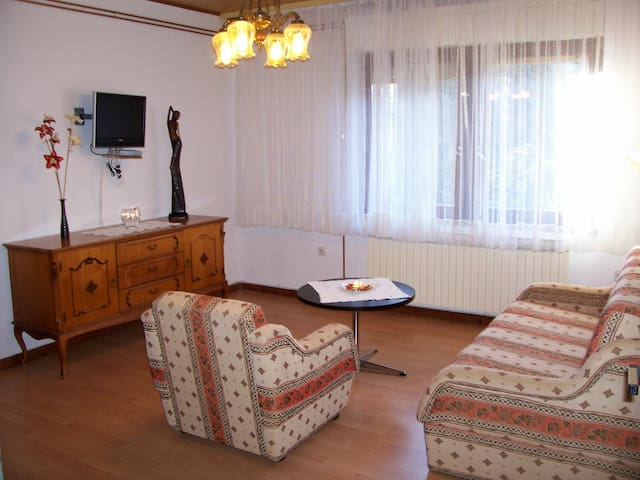 Valerija apartment near center of Malinska
