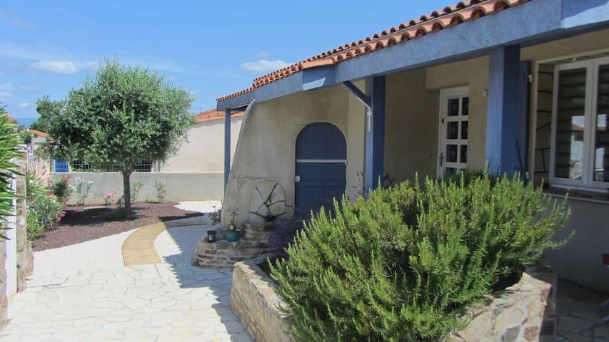Maison individuelle dans village typique de l'Aude - Fontiès-d'Aude - Ev
