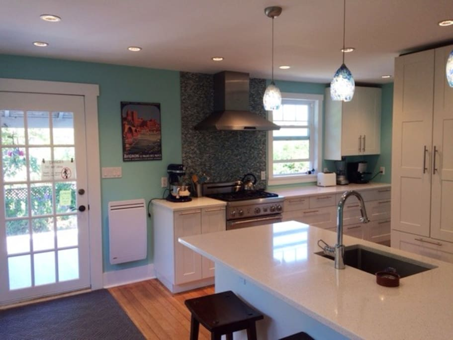 Gas stove and granite counters