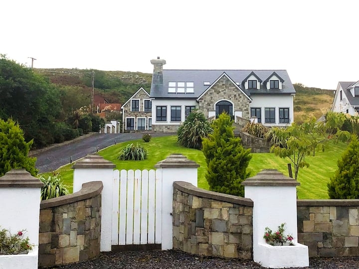 Modern luxury in the heart of Achill Island (EV)