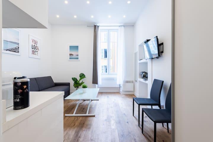 Magnifique studio Climatisé - Place Garibaldi