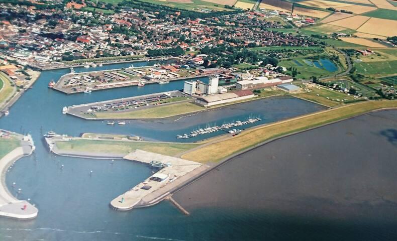 Büsum Nordsee FeWo Hafen und Meer 150m WLAN 64 m2