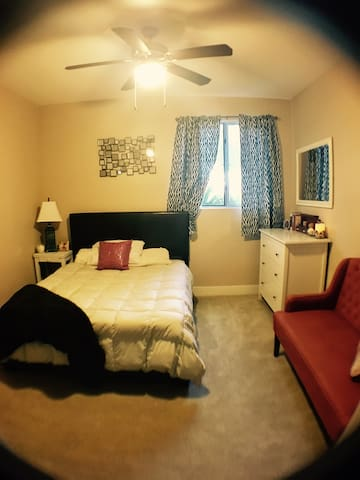 Cute & Spacious Guestroom in Tempe - Tempe - 아파트