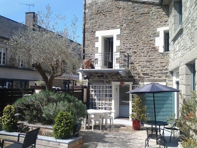 """Gite vacances """"ulysse """"  3 chambres - Matignon"""