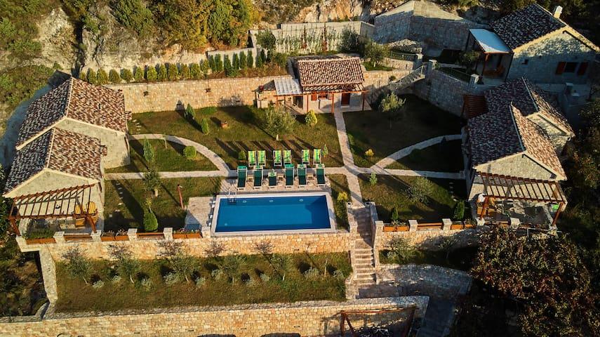 Eco Resort Cermeniza - Villa Cabernet
