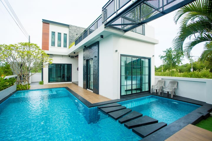 L Villa Pool Party HuaHin 3BR upto17people