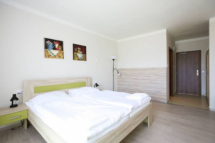 Modern 2room in a small hotel in Prague - Zbraslav