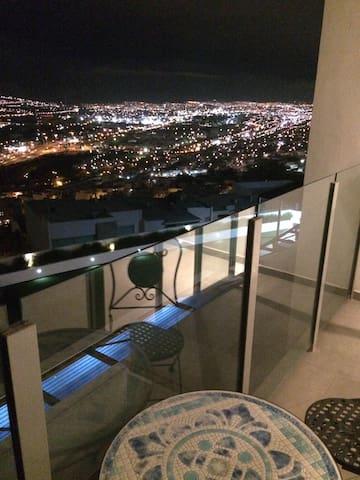 Habitación privada en departamento - Monterrey